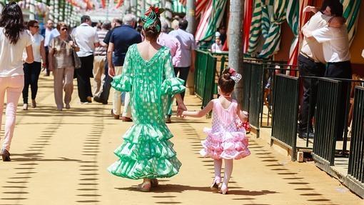(Español) Aprende a bailar sevillanas para la Feria de Abril